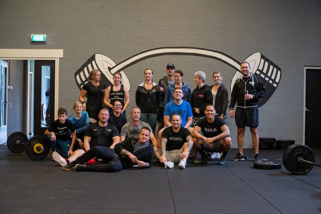 Groepsfoto bij CrossFit Willemsoord in Den Helder